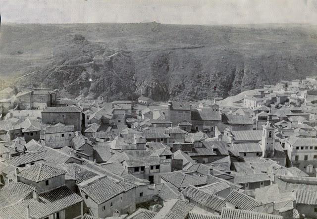 Vista del Valle desde el Alcázar en junio de 1905. Fotógrafo anónimo. Colección Luis Alba. Ayuntamiento de Toledo