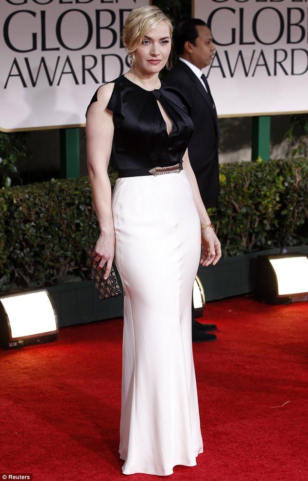 Monocromática de solteira: Kate Winslet saiu em um preto e branco vestido de Jenny Packham