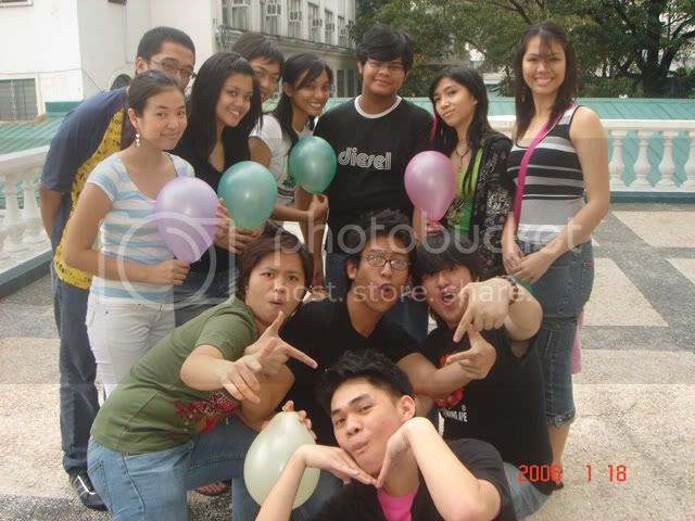 Of course, it all starts with some of the eighteen people that would play with the balloons and provide support for Jino. Clockwise from top left: Me, Kizia, Martin, Jaja, Sudoy, Jill, Sara, Huey, (then jittery) Jino, Nico, Malia and Jana.