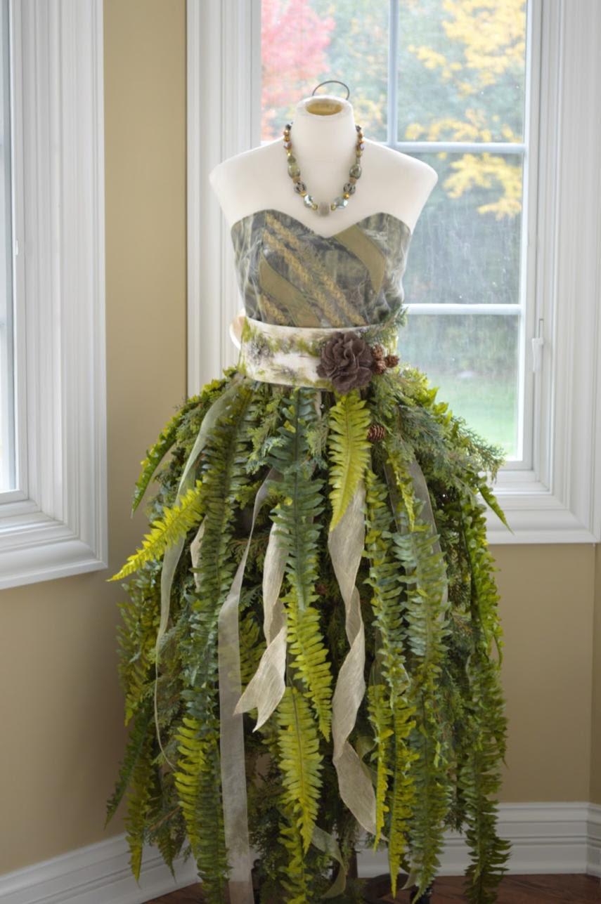 DIY Mannequin Christmas Tree - 9 Dress Form Tutorials (Free)
