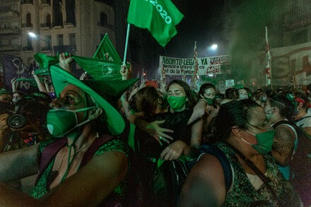 TREND ESSENCE:Argentina Legalizes Abortion, a Milestone in a Conservative Region