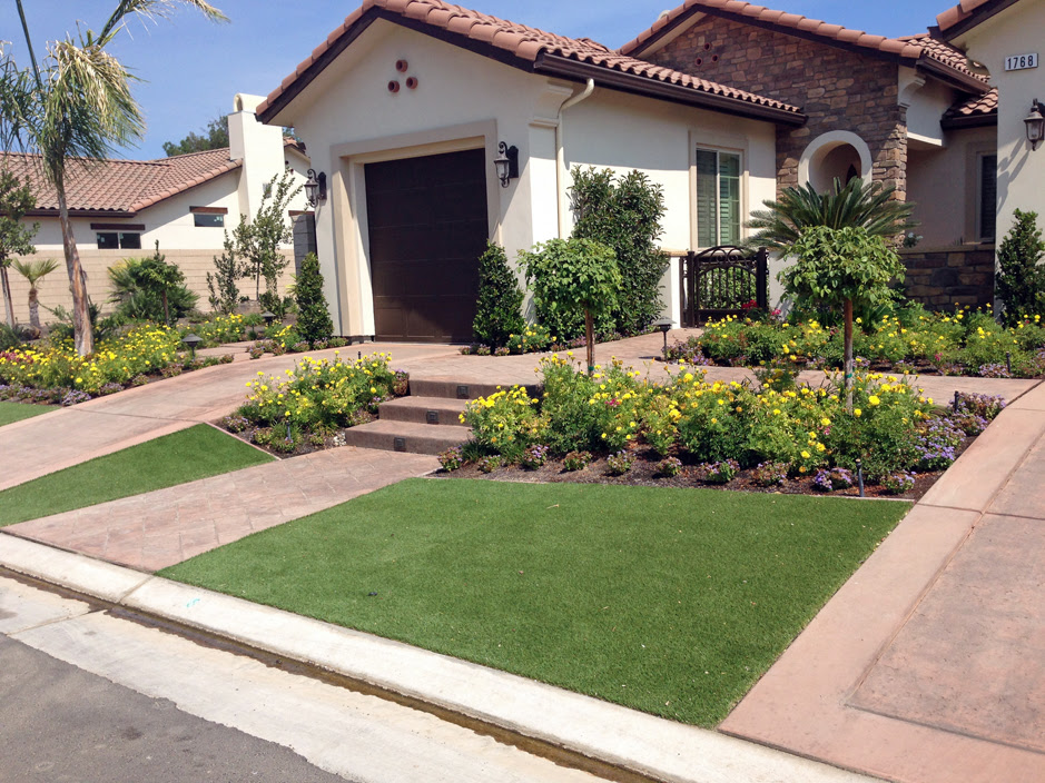 Plastic Grass Marana, Arizona Landscape Ideas, Small Front ...