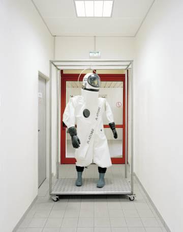 Obra del artista portugués Edgar Martins, que pertenece a una serie de imágenes tomadas en instalaciones de Agencia Espacial Europea.