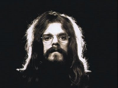 http://www.roywood.co.uk/med/roy-wood-2-M36077.jpg
