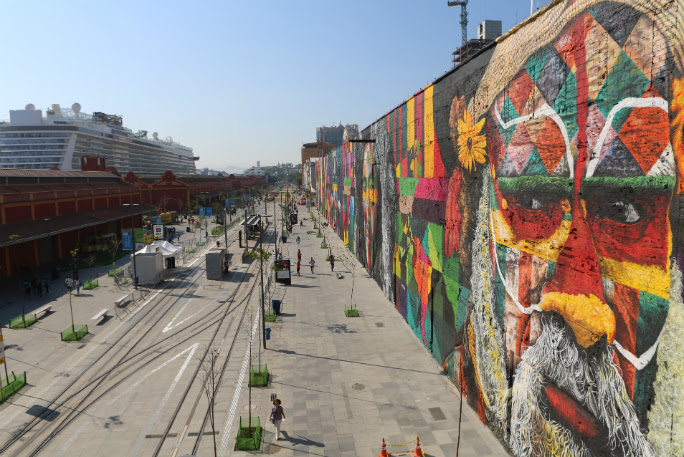 New Record Breaking Spray Paint Mural Looks Like An Enormous