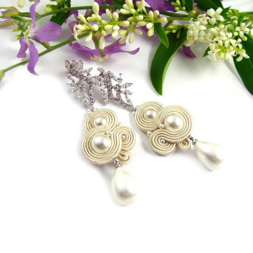 Ślubne kolczyki sutasz ecru z perłami