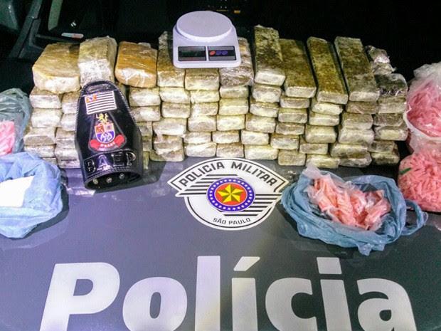 Polícia apreende 50 quilos de droga no bairro dos Guedes em Tremembé (Foto: Divulgação/ Polícia Militar)
