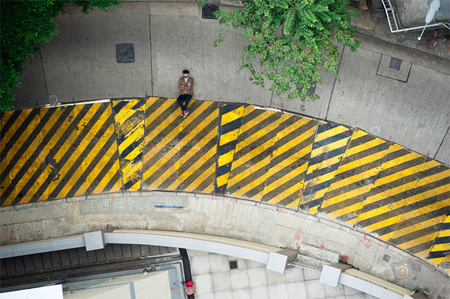 Photographer Christian Åslund Turns the Streets of Hong Kong into a 2D Video Game video games urban Hong Kong advertising