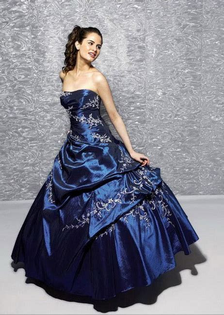 A Wedding Addict: A Line Dark Blue Layer Tail Strapless