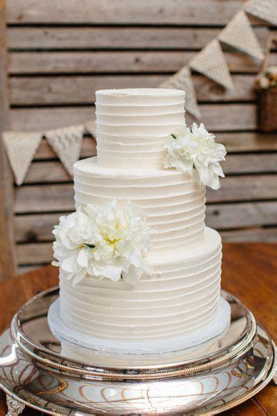 Simple buttercream wedding cake   Wedding Cake   Wedding