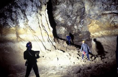 το-μυθικό-σπήλαιο-των-λιμνών-3