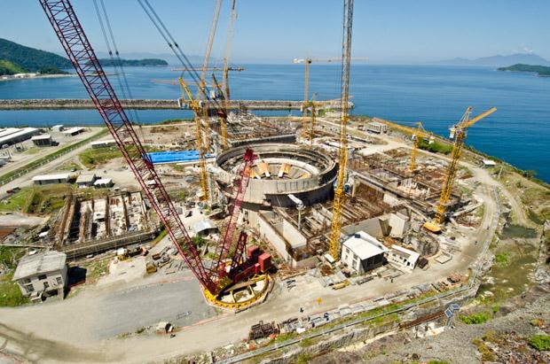 Foto de divulgação mostra a usina Angra 3 durante as obras em março de 2012 (Foto: Divulgação/Eletronuclear)