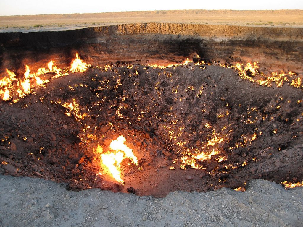 darvaza4 The Door to Hell in Darvaza aka Gas Crater