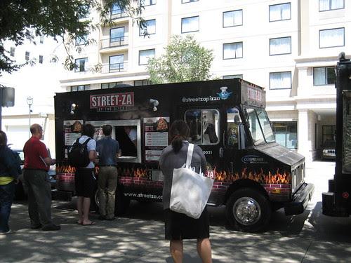 Street-Za food truck Milwaukee