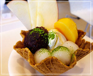 千疋屋総本店にて、「森のめぐみサンデー」。ちょっと和風な秋のパフェ。