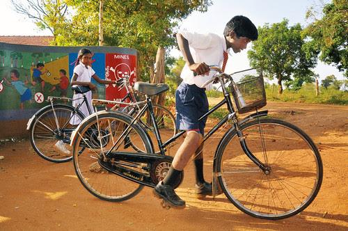 Vijay, 12 anni educatore