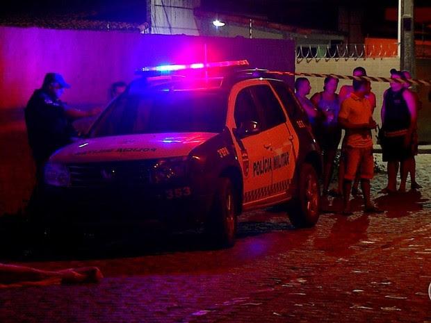 Dois homens foram mortos em Parnamirim, na Grande Natal (Foto: Reprodução/Inter TV Cabugi)