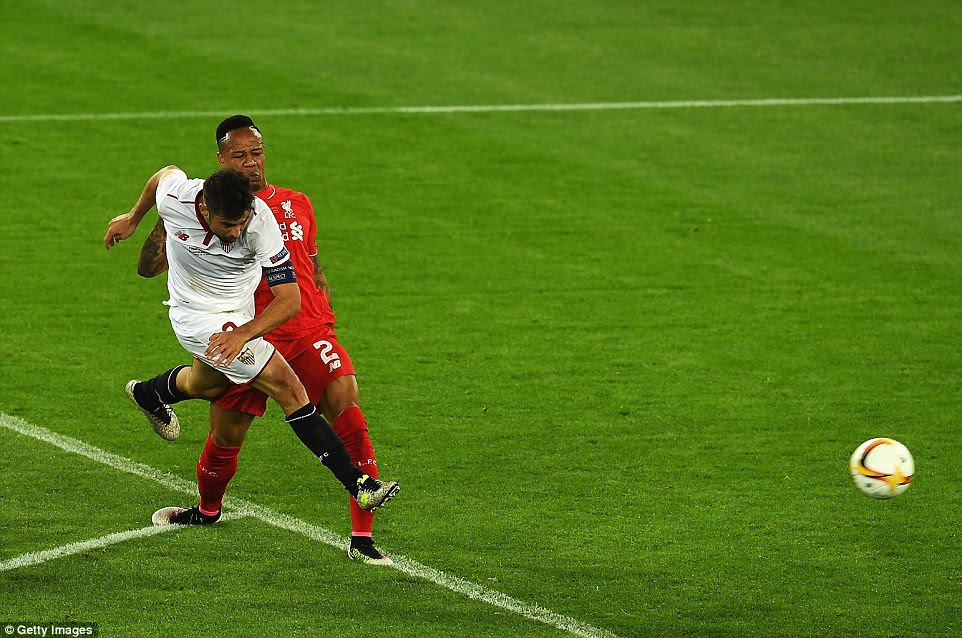 Former Crystal palace defender Clyne fails to prevent Coke from lashing home a beautiful effort to put Sevilla in the lead