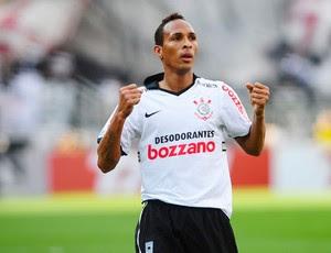 Liedson comemora, Corinthians x Santos (Foto: Marcos Ribolli/Globoesporte.com)