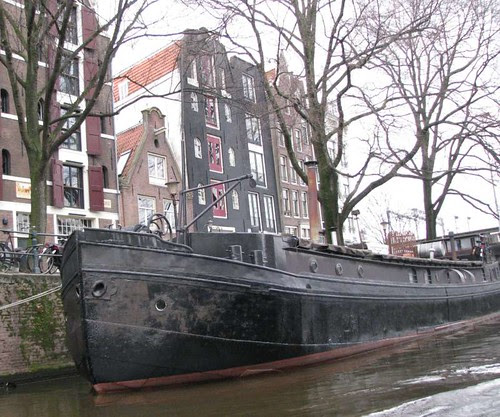 casa barco dark