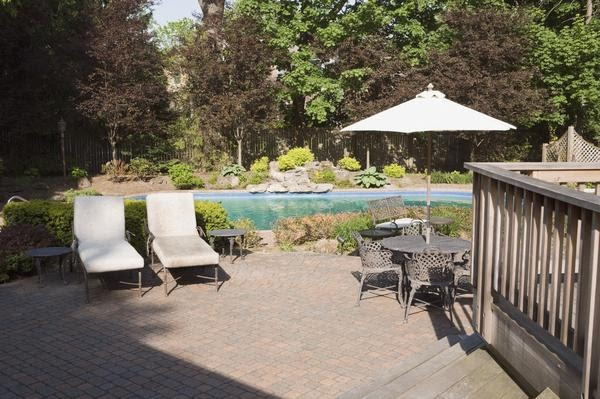 Backyard landscaping ideas for large backyards