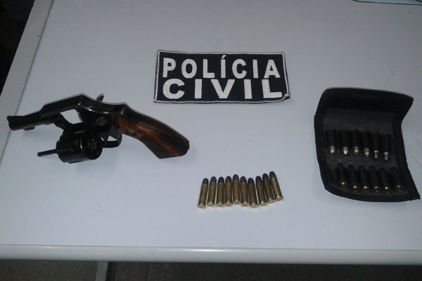 A Operação Alvorada apreendeu um revólver de calibre 38 na manhã desta quinta com 22 munições de mesmo calibre