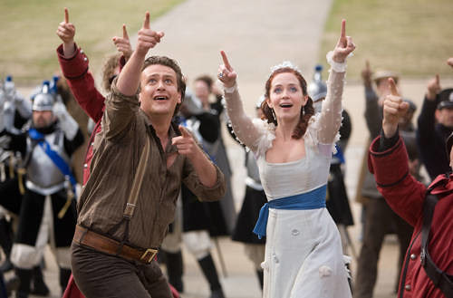 gullivers-travels-jason-segel-emily-blunt-photo