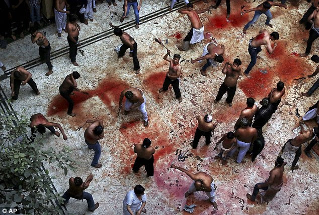 Ritual mandi darah kaum Syiah