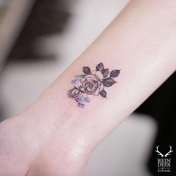 Tatuajes De Rosas En Las Muñecas Tatuajes