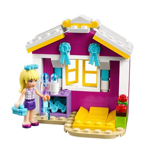 LEGO-Friends-Stephanies-Newborn-Lamb-41029-2