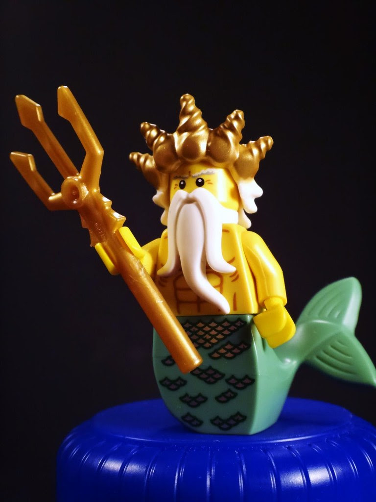 LEGO minifig ocean king series 7