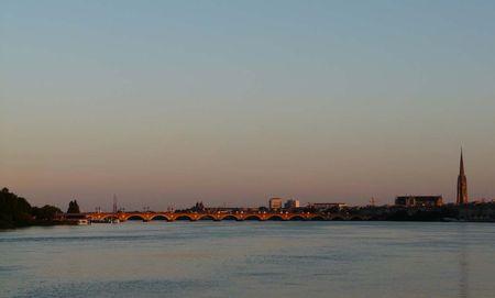 Bordeaux__le_pont_de_pierre
