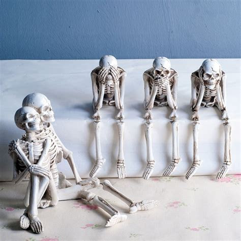 Skeleton Shelf Sitters   ApolloBox