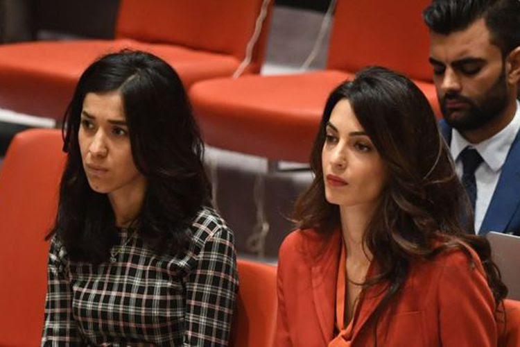 Nadia Murad (kiri) dan Pengacara HAM, Amal Clooney, hadir di pembahasan tentang genosida ISIS di pertemuan Dewan Keamanan PBB.