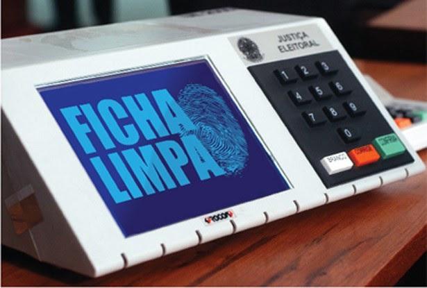 Adiamento de eleições beneficia político 'ficha-suja' e Condenados pela Lei da Ficha Limpa até 2012 poderão concorrer