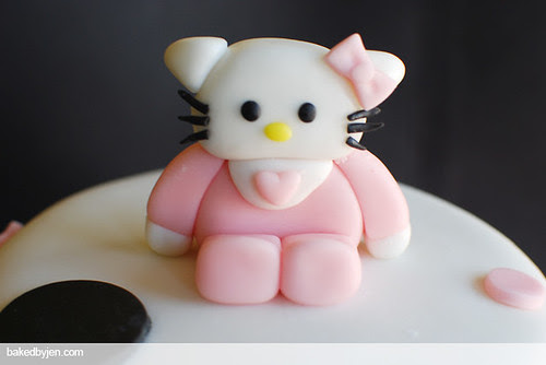 hello kitty baby shower cake - hello kitty