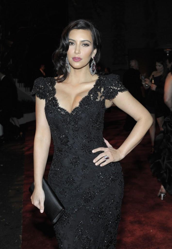 Fashion Amp Style Kim Kardashian Walk On Ramp In Dress