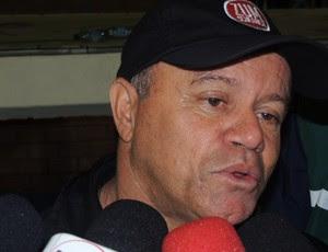 Arturzinho técnico Joinville entrevista (Foto: Marcelo Silva)