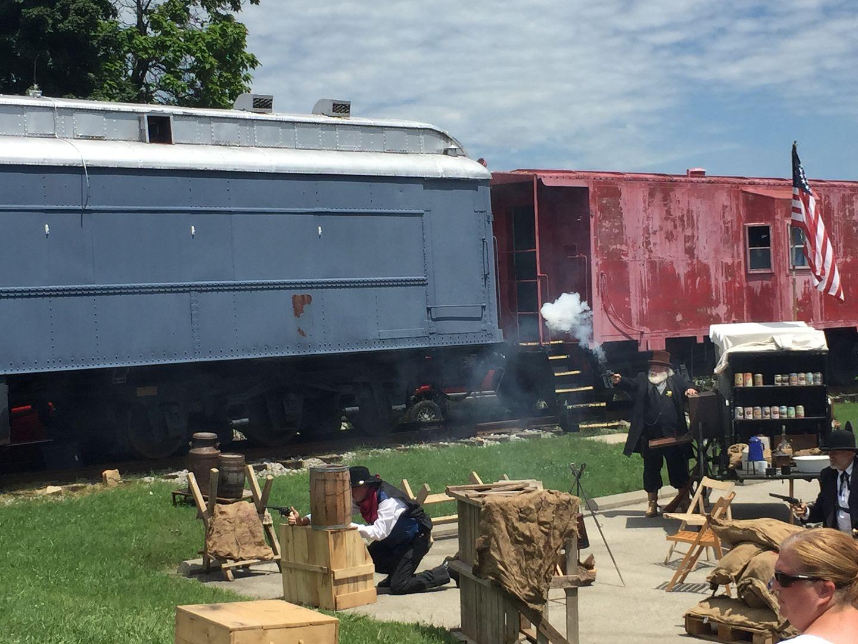 photo train robbery_zps26oubdh5.jpg