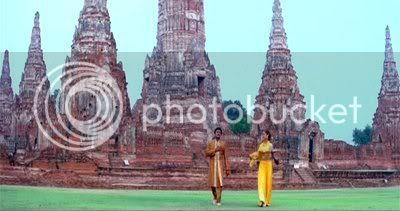 http://i298.photobucket.com/albums/mm253/blogspot_images/Unnai%20Ninaithu/PDVD_032.jpg