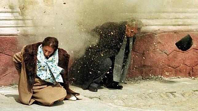 Reconstrucción de fusilamiento de Ceaucescu y su esposa Elena