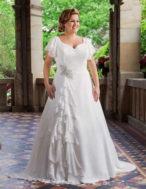 Discount 2017 New Plus Size Wedding Dresses Short Sleeve V