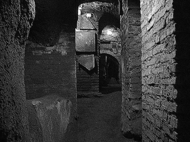 File:Catacombs S. Sebastiano Rome1.jpg