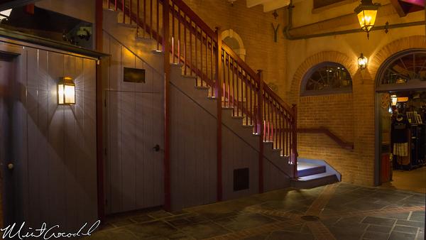 Disneyland Resort, Disneyland, New Orleans Square, Royal Courtyard, Stairs