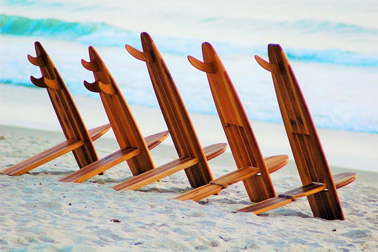 Resting after the surf: a surfboard chair is a great idea | Photo: Surf Life Designs