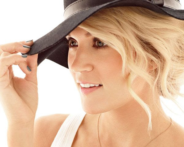 Carrie Underwood : Women's Health (November 2013) photo 1311-underwood-interview-art.jpg