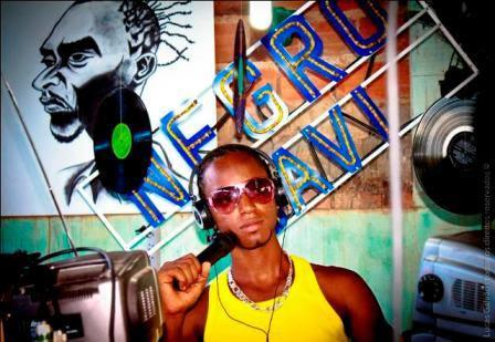 Negro Davi - Derrubando Barreiras
