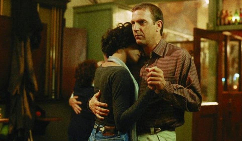 Clássico: O filme, co-estrelado por Kevin Costner, passou a se tornar um dos grandes romances de todos os tempos