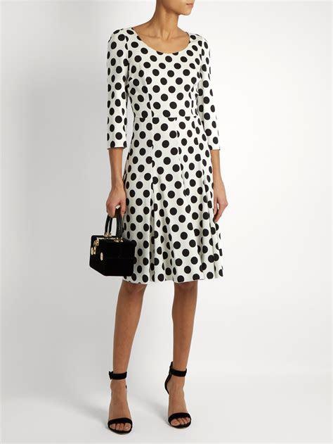 Kate Middleton wears black & white polka dot dress to