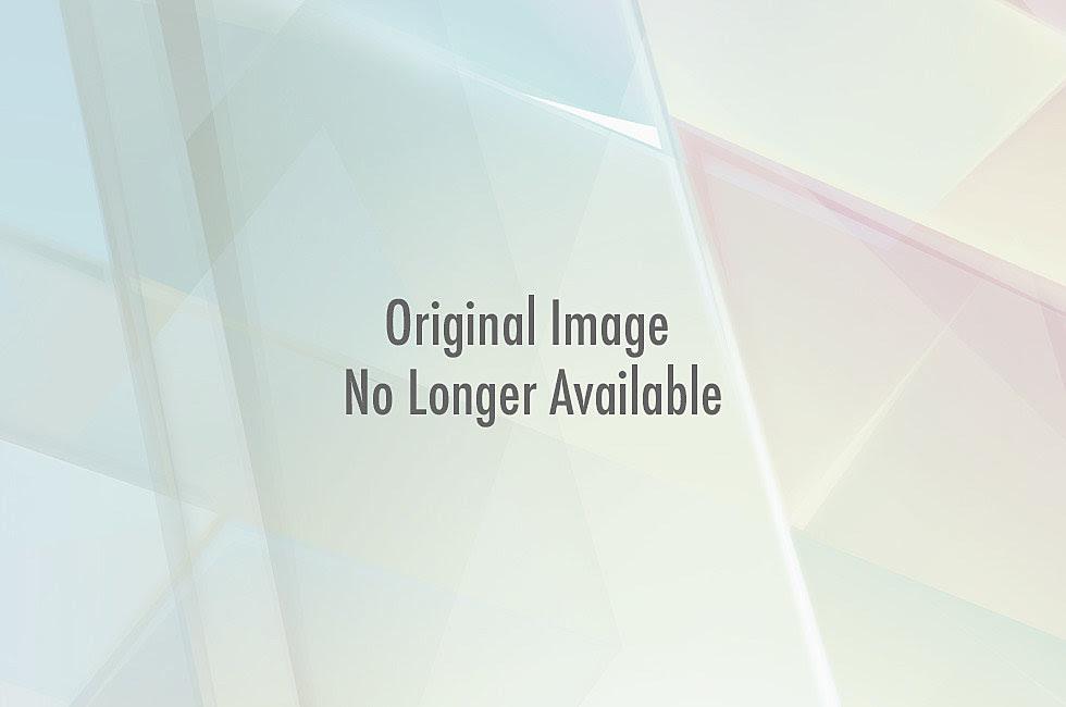 http://wac.450f.edgecastcdn.net/80450F/comicsalliance.com/files/2010/12/alias.jpg